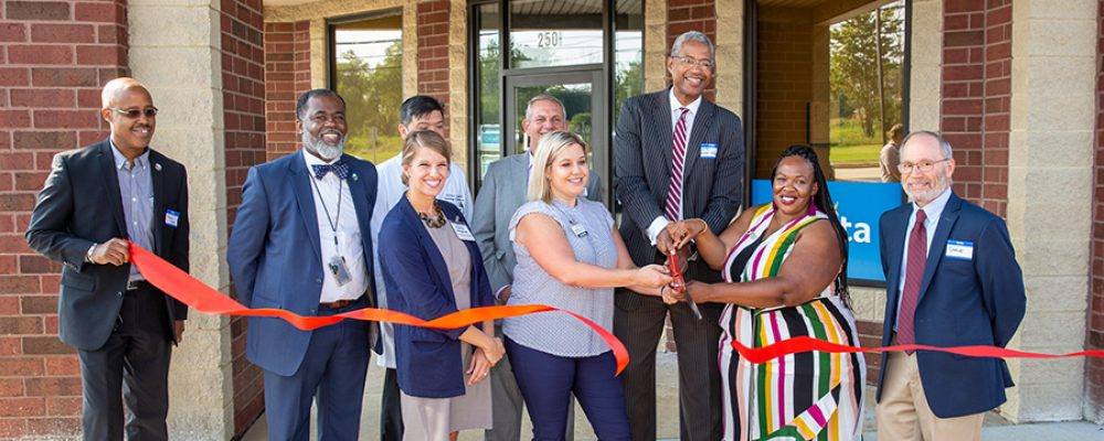 Photo Gallery – DaVita Ribbon Cutting!